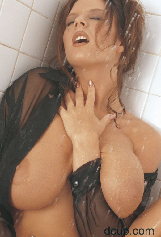This Busty D Cup Model Is Jessica Justice Very Large Natural Boobs