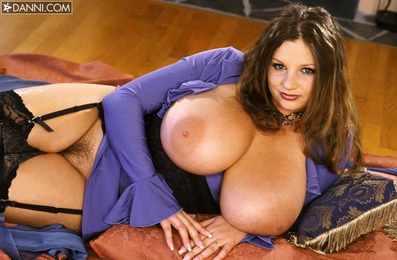 Mature big tits stripping pictures